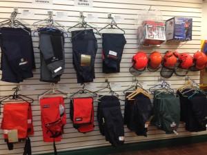 vêtement-sécurité-stihl-echo-husqvarna-casque-pantalon-protection-scie-chaîne